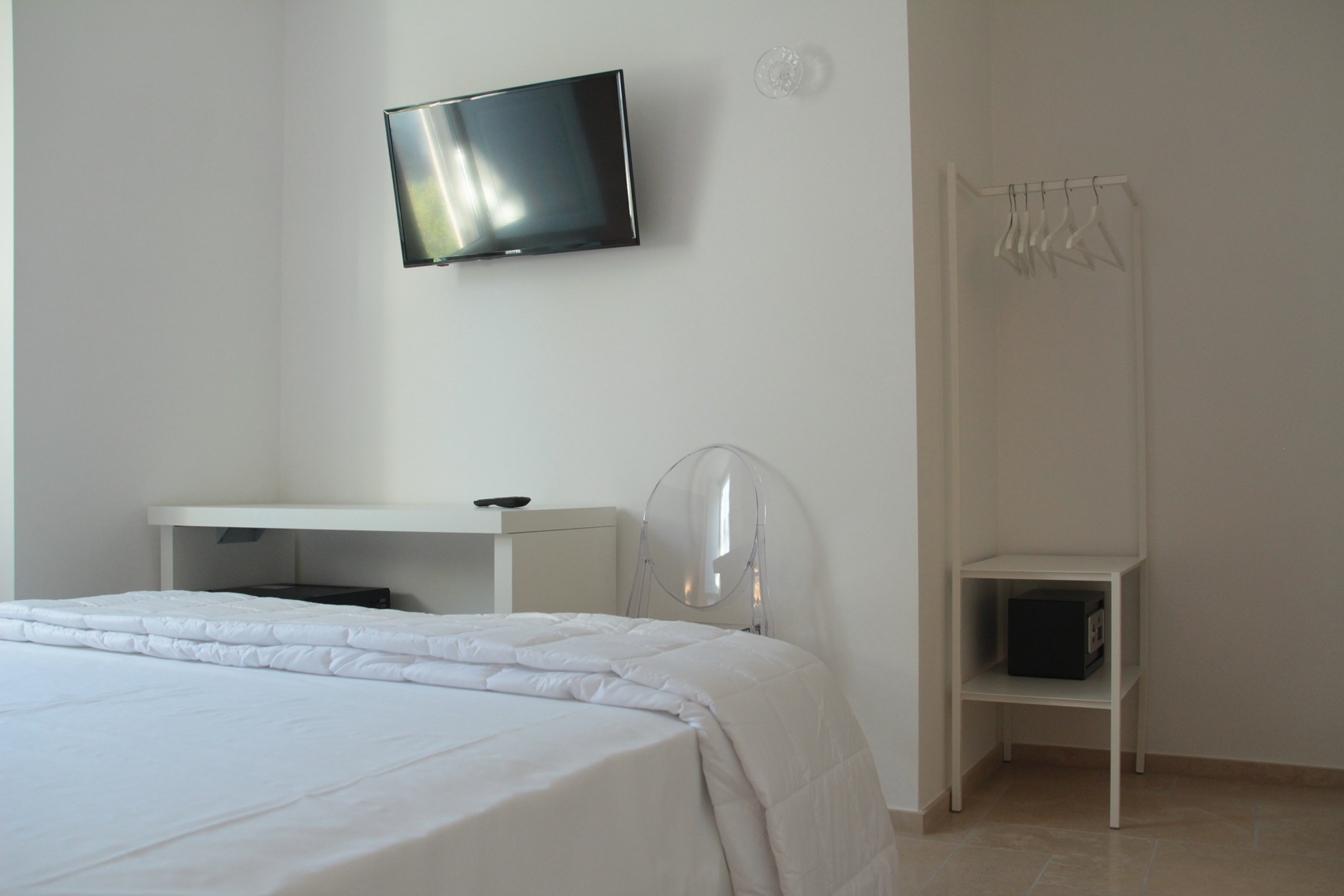 Tv camera da letto cabina armadio http leonardo tv camera - Tv in camera da letto ...